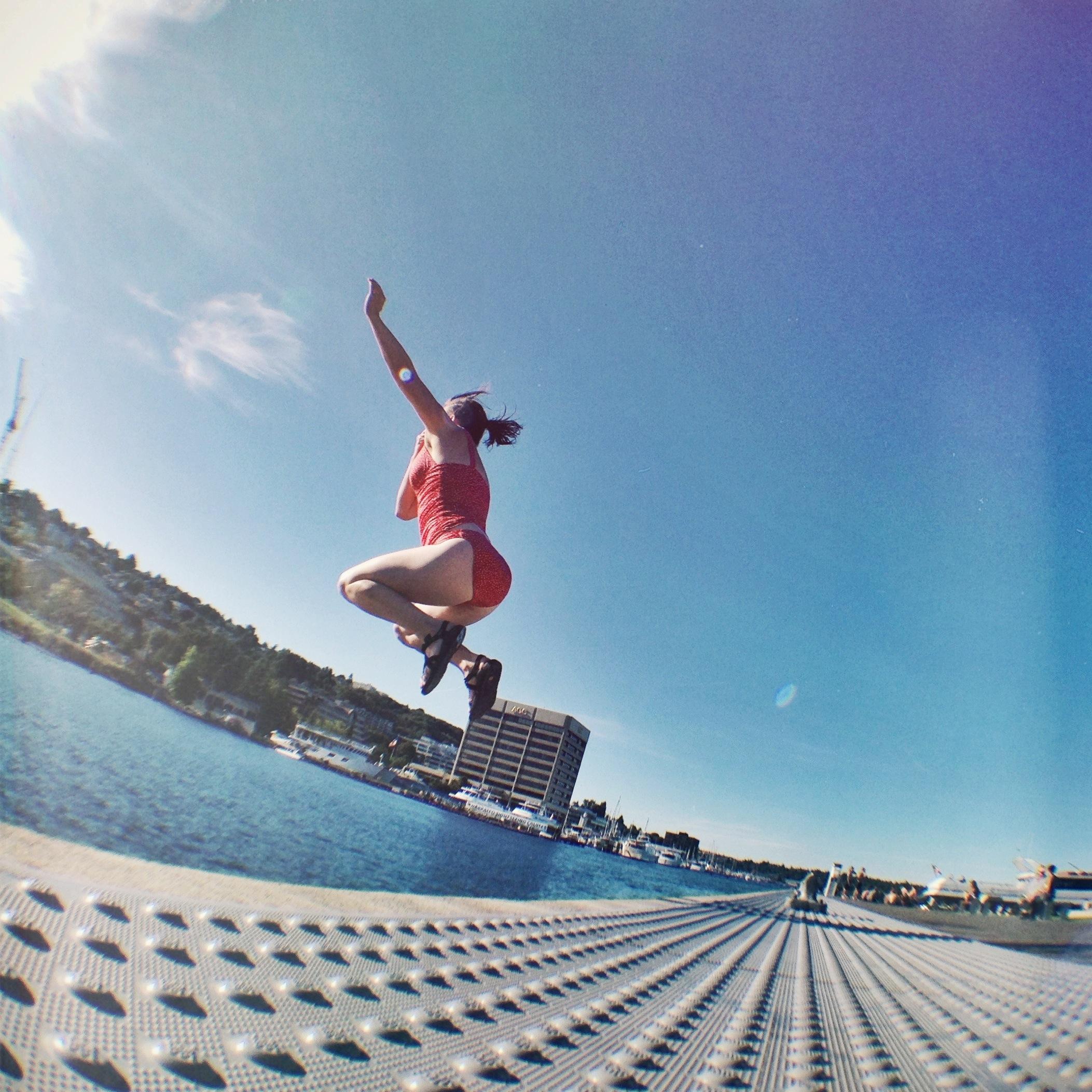maria_jumping
