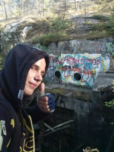 Thumbs up for a find! Photo by geocacher IJayZz