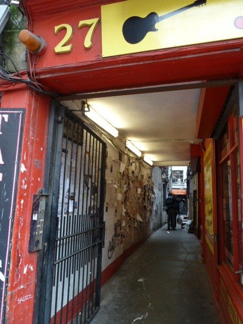 The Tin Pan Alley. Stroll in and join the band! Photo by geocacher SUEprise