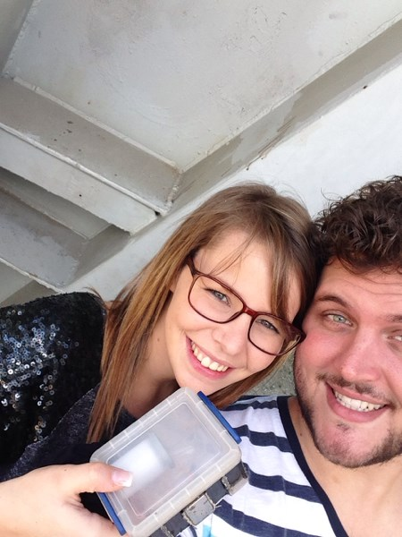 Two happy geocachers who avoided the muggles! Photo by fxpieltain