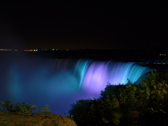 The falls are even beautiful at night. Photo by geocacher Chod