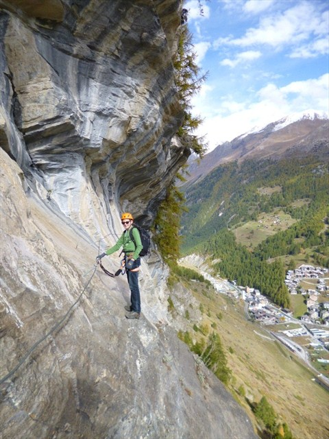 Adrenaline = smiles. Photo by geocacher Die Berüchtigten