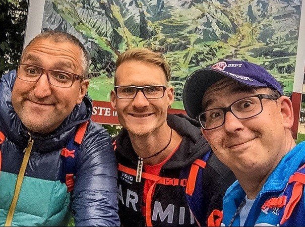 Left to right: Alexander, Tim und Benny at the beginning of their journey in Obersdorf.