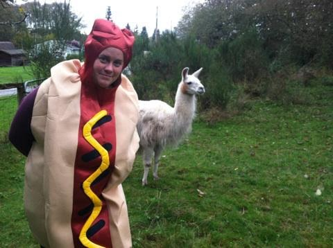 Erin Geocaching hotdog