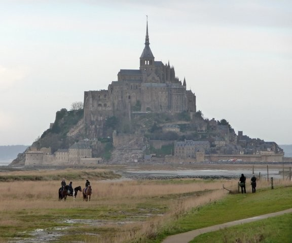 Le Mont Saint Michel tide out