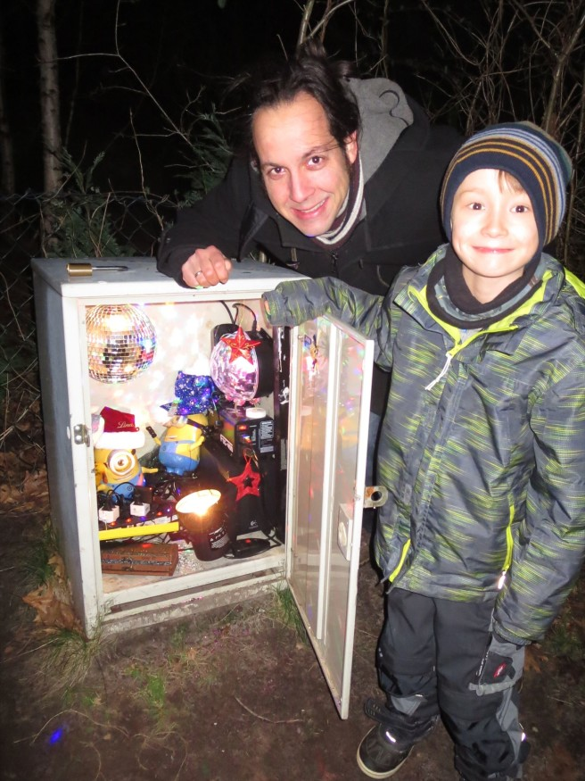 This cache is appropriate for kids AND adults!