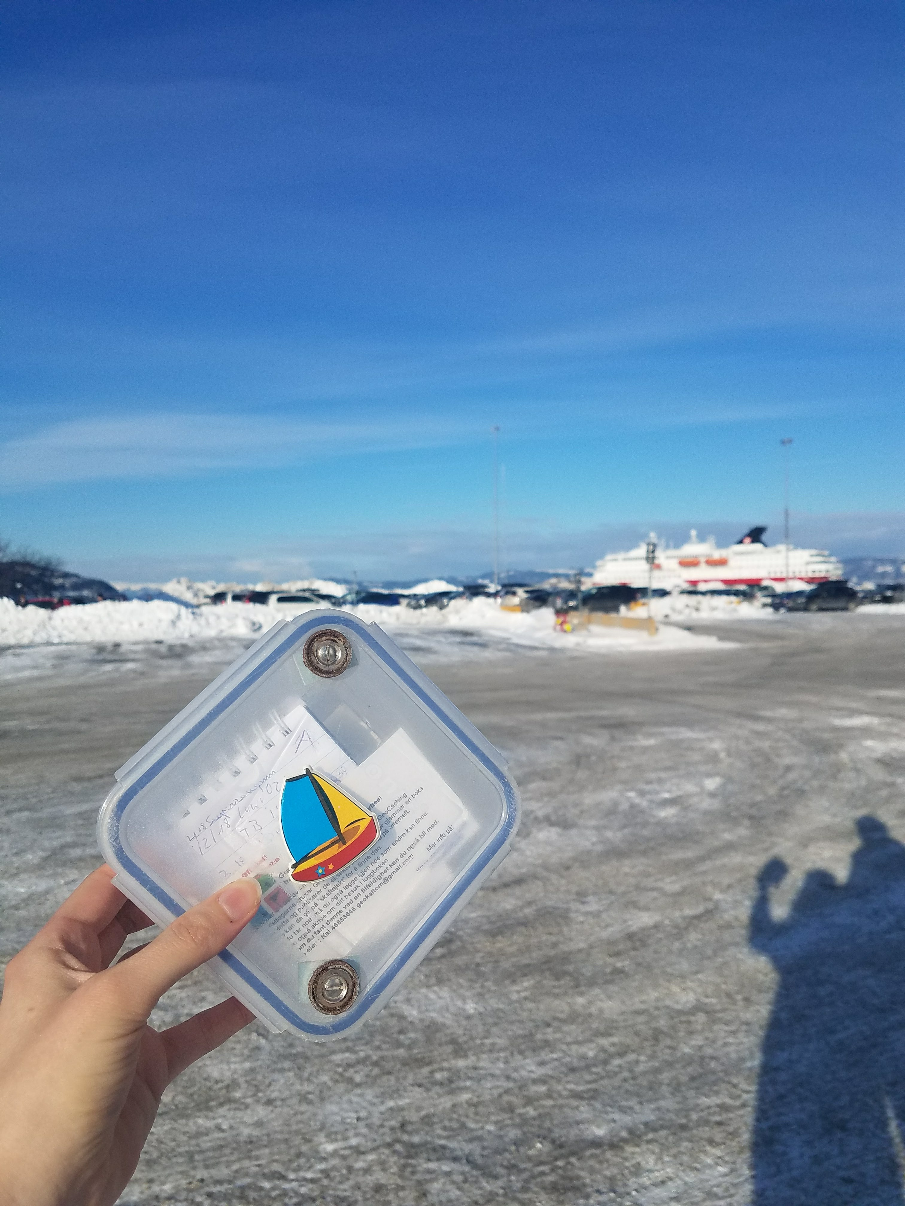 Geocaching family wins Hurtigruten photo contest and sets sail on a cruise to Norway