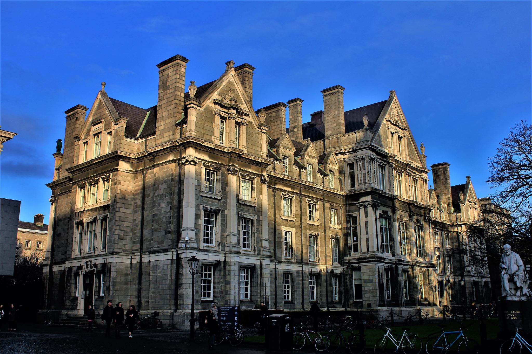 Trinity College Dublin – Geocache of the Week